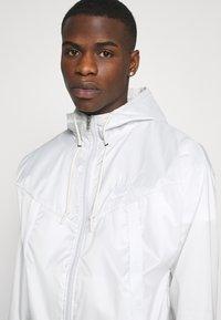 Nike Sportswear - Summer jacket - photon dust/summit white - 5