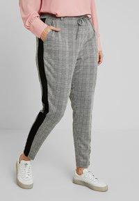 Zizzi - JMADDISON CROPPED PANT - Pantaloni - grey - 0
