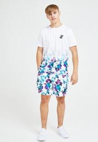 Illusive London Juniors - Print T-shirt - floral - 2