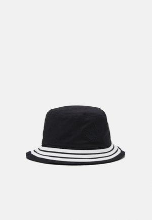 BUCKET - Hat - black