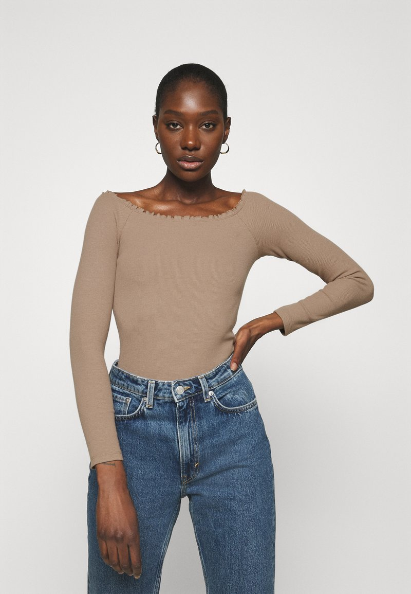 Abercrombie & Fitch - RUFFLE BODYSUIT - Long sleeved top - light brown