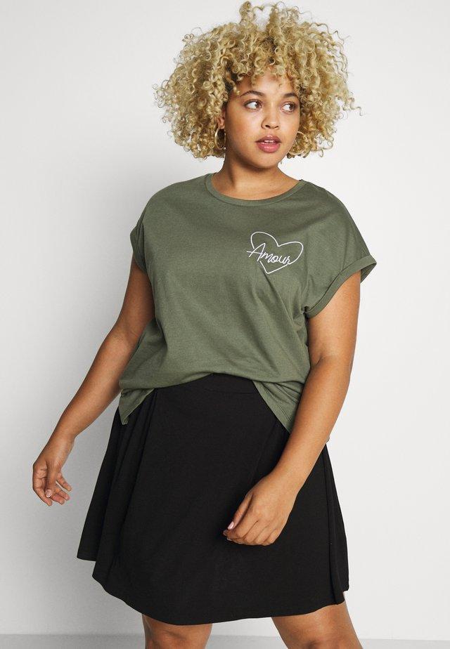 HEART MOTIF TEE - Print T-shirt - khaki
