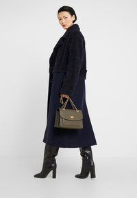 Coach - PARKER SHOULDER BAG - Handbag - moss - 1