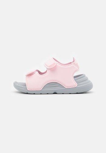 SWIM UNISEX - Chanclas de baño - clear pink
