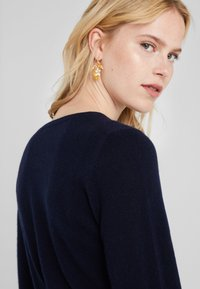Repeat - CREW NECK CASHMERE - Sweter - navy - 4