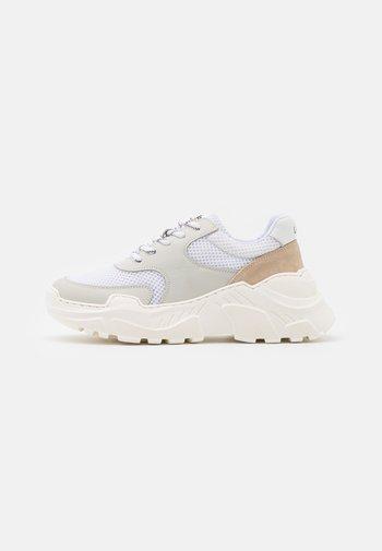 SPRINT  - Zapatillas - white