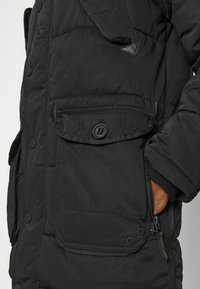 Superdry - CHINOOK - Parka - black - 7