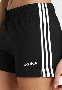 adidas Performance - ESSENTIALS 3STRIPES SPORT 1/4 SHORTS - Pantalón corto de deporte - black/white - 4