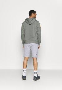 The North Face - RAINBOW SHORT - Pantalón corto de deporte - light grey heather - 2