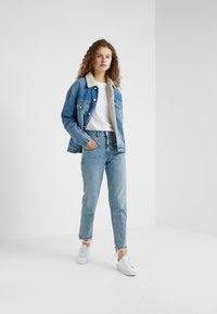CLOSED - PEDAL PUSHER - Jeans Relaxed Fit - light blue - 1