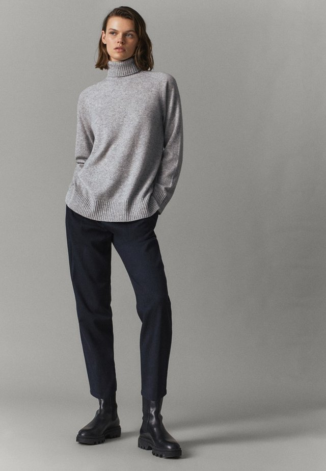 Sweter - light grey