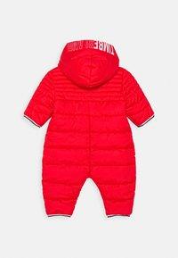 Timberland - ALL IN ONE BABY  - Lyžařská kombinéza - bright red - 3