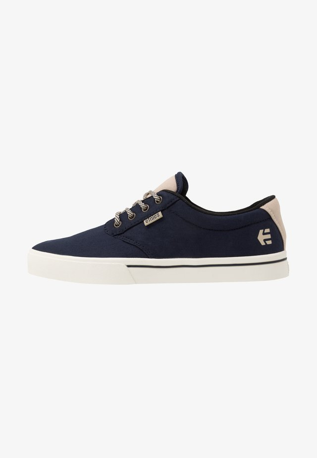 JAMESON PRESERVE - Chaussures de skate - navy/tan