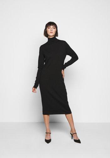 JOSEPPA - Stickad klänning - schwarz
