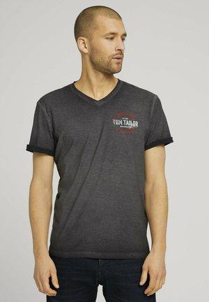 IM USED LOOK  - T-shirt con stampa - tarmac grey