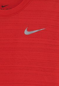 Nike Performance - MILER - Basic T-shirt - university red - 2