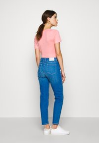 CLOSED - BAKER HIGH HIGH WAIST CROPPED LENGTH - Džíny Slim Fit - mid blue - 2