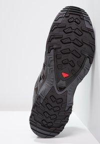 Salomon - XA PRO 3D - Scarpe da trail running - black/magnet/quiet shade - 4