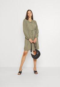 Pieces - PCFRAYSON SHIRT DRESS - Shirt dress - deep lichen green - 1
