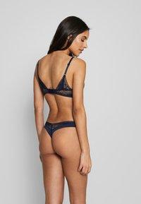 Calvin Klein Underwear - PETAL PUSH UP PLUNGE - Push-up bra - dark blue - 2