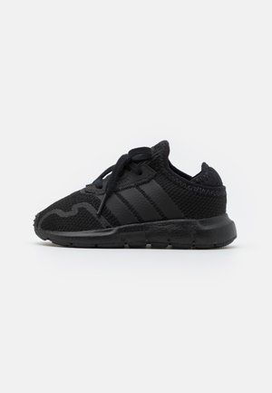 SWIFT RUN UNISEX - Trainers - core black