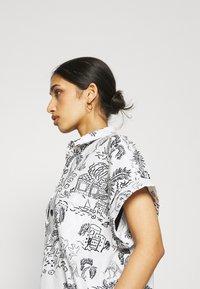 Monki - Shirt dress - white light - 4