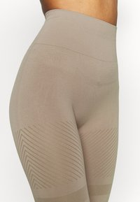 Casall - SEAMLESS BLOCKED - Tights - taupe grey - 4