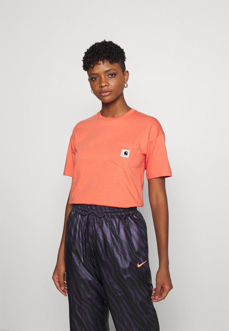 Carhartt WIP - POCKET - Print T-shirt - shrimp