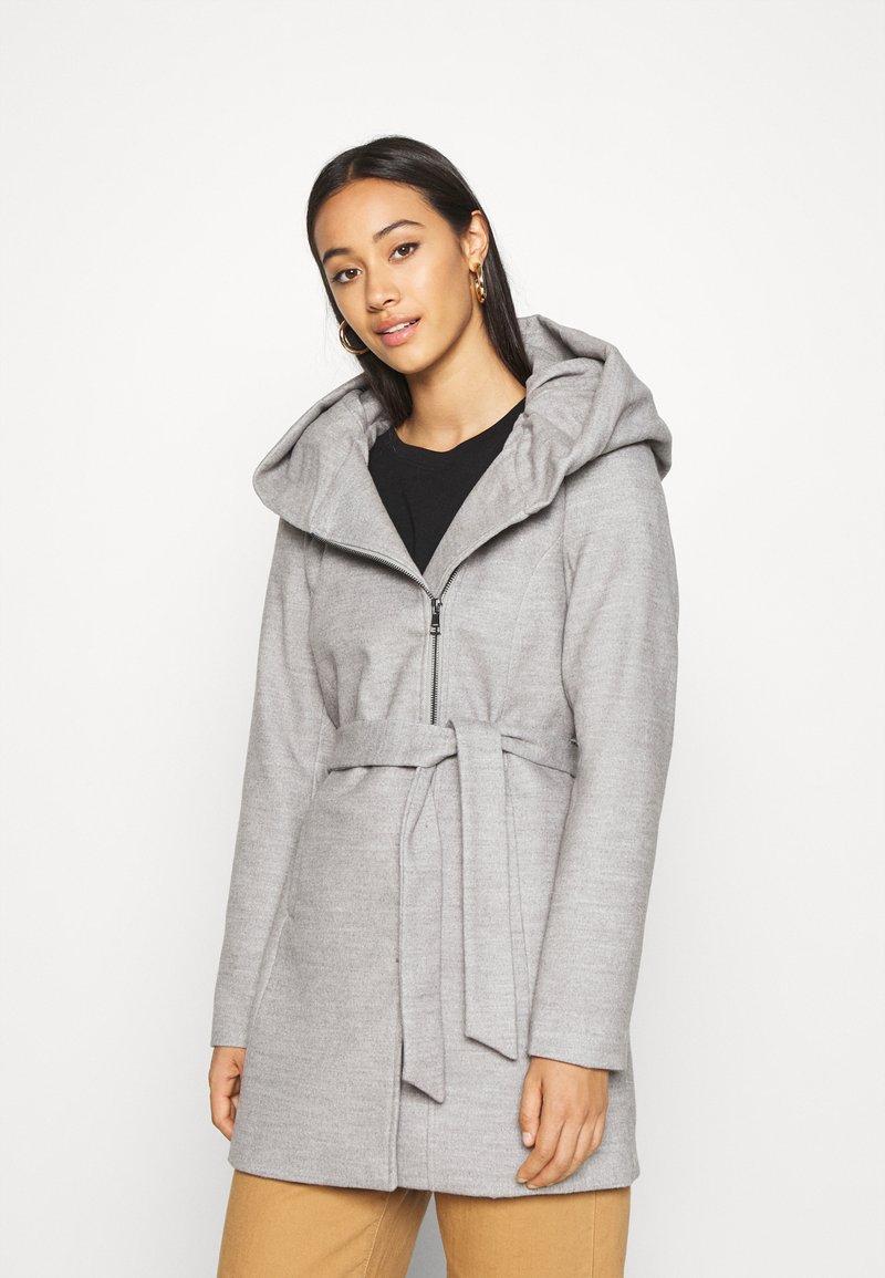 ONLY - ONLCANE COAT - Abrigo corto - light grey melange