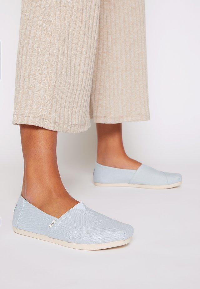 ALPARGATA VEGAN - Nazouvací boty - pastel blue