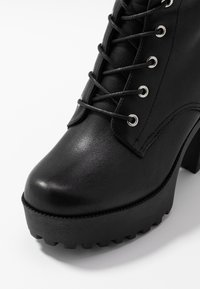Even&Odd - LEATHER PLATFORM LACEUP BOOT - Boots med høye hæler - black - 2