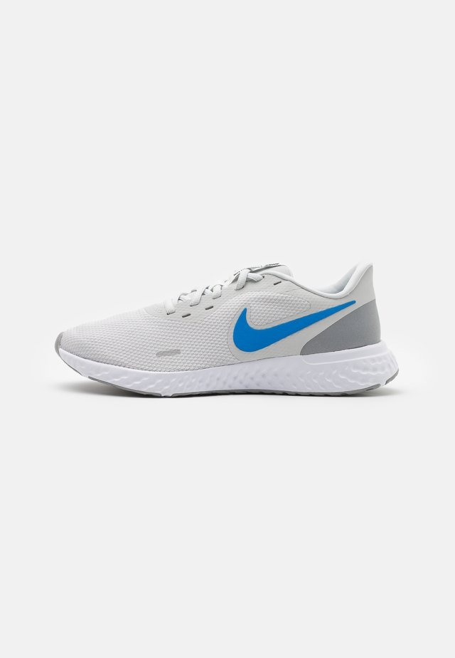 REVOLUTION 5 - Neutral running shoes - photon dust/photo blue/particle grey
