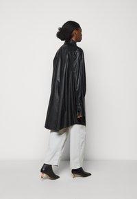 MM6 Maison Margiela - Short coat - black - 2