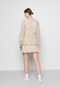 Gina Tricot - AMBER PLEATED DRESS - Day dress - peach - 2