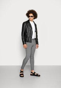 Only & Sons - ONSMARK PANT - Pantalon classique - medium grey melange - 1