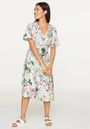 SHORT-SLEEVED WOODLAND FLORAL NIGHTDRESS - Day dress - white