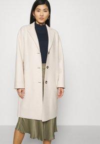 Marc O'Polo - SINGLE BREASTED - Classic coat - natural white - 3