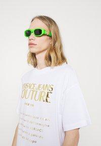 Versace - UNISEX - Sluneční brýle - green fluo - 0