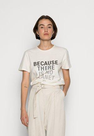 BECAUSALF WOMAN  - T-shirt med print - light beige
