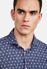 NEW IN TOWN - Shirt - blue - 3