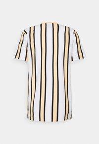 Denim Project - RAMIREZ TEE - Print T-shirt - white/peach fuzz/ black - 1