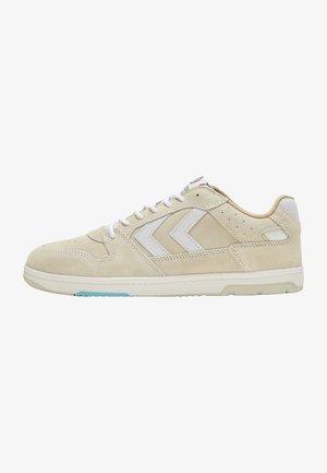 Sneakers - bone white