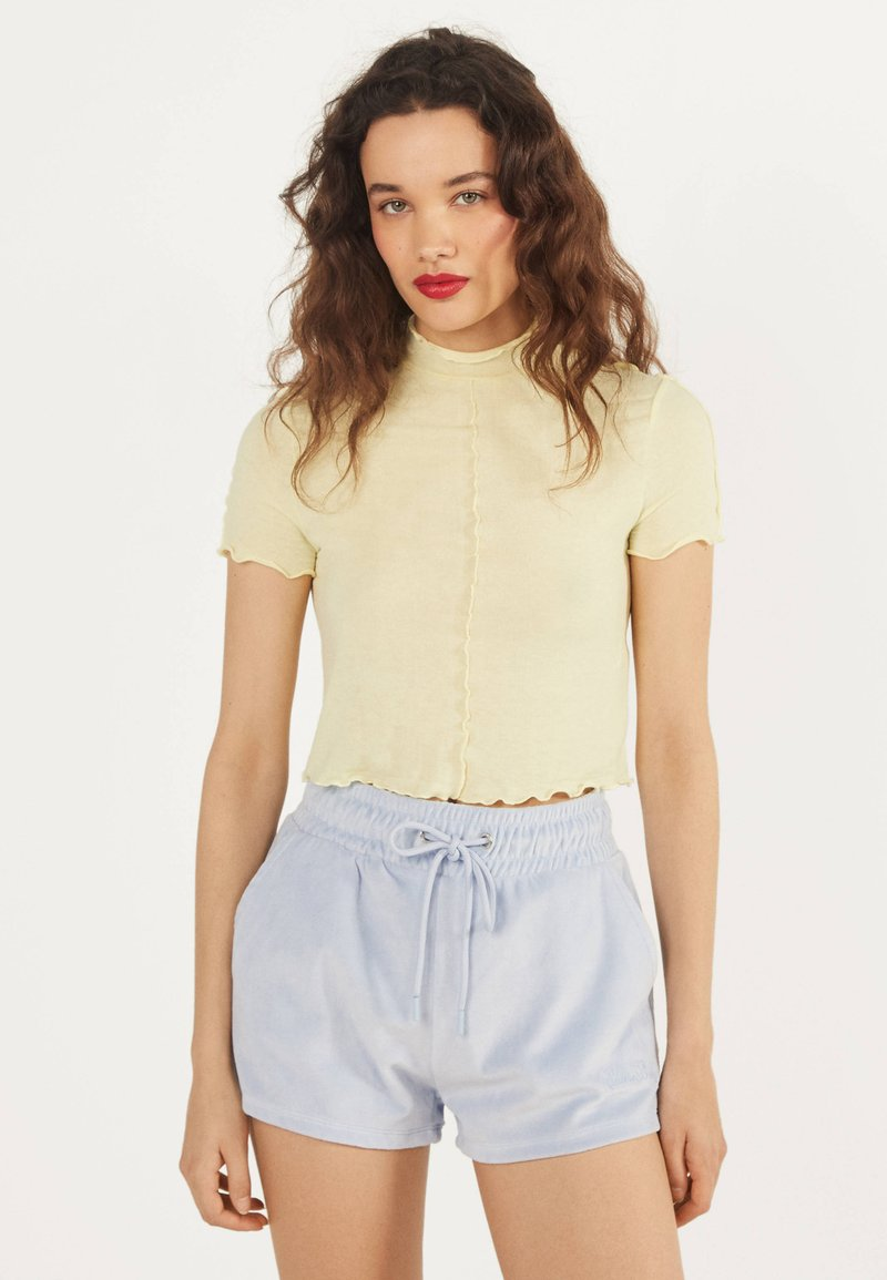Bershka - Shorts - light blue