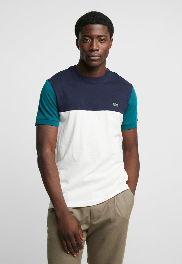 T-shirt imprimé - farine/marine pin