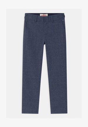SAKERI - Chino kalhoty - dark blue