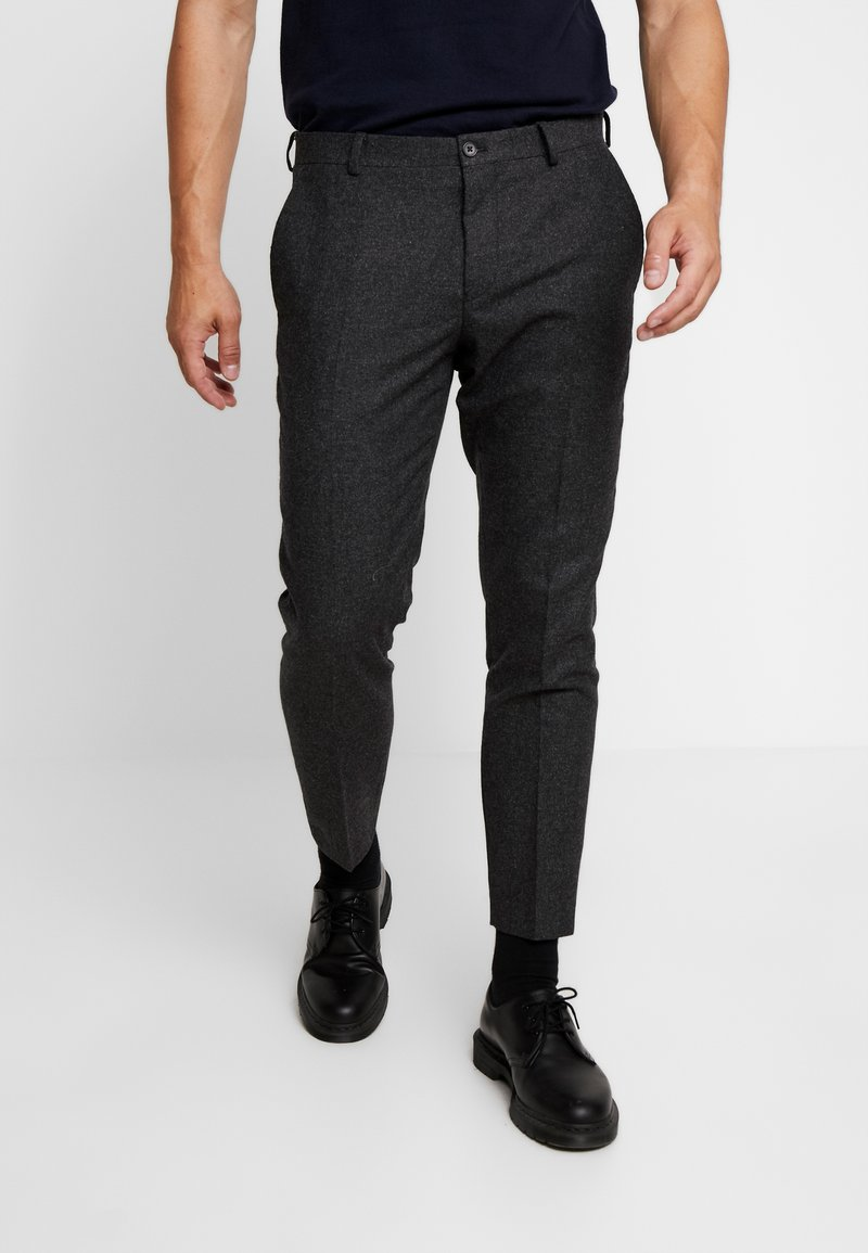Viggo - ALTA TAPERED - Tygbyxor - charcoal