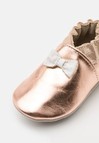 Robeez - COLLECTION KNOT - First shoes - rose metal - 5
