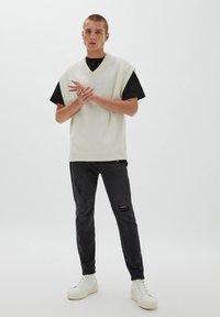 PULL&BEAR - Jeans slim fit - mottled black - 1