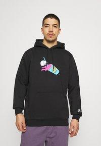 adidas Originals - THE SIMPSONS SQUISHEE HOODIE - Hoodie - black - 0