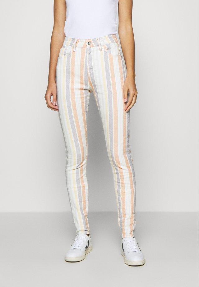 LUCY - Slim fit -farkut - multi-coloured/white